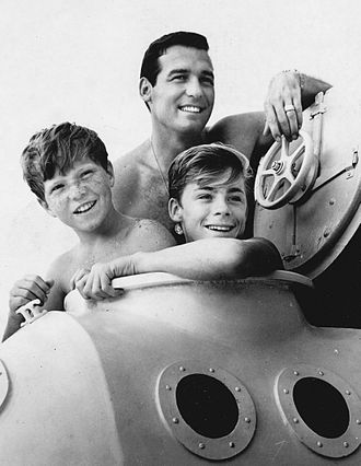 Brian Kelly (actor) - Kelly with Tommy Norden (left) and Luke Halpin (right) in Flipper, 1964
