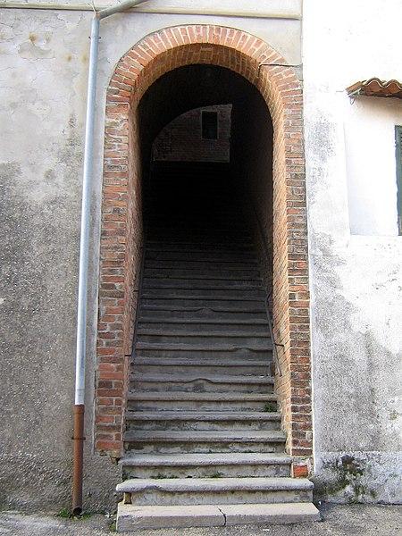 File:Fontanile Scalinata San Giuseppe.JPG