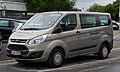 Ford Transit Custom Kombi 2.2 TDCi Trend (VII) – Frontansicht, 25. Mai 2013, Düsseldorf.jpg