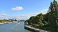 France, Paris, la Seine et le quai Saint-Bernard, vus du pont de Sully.jpg