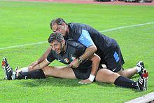 Toldo in allenamento con l'Inter nell'estate del 2009, assieme al preparatore Silvino Louro.