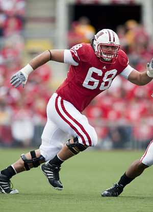 2010 Wisconsin Badgers football team - Gabe Carimi