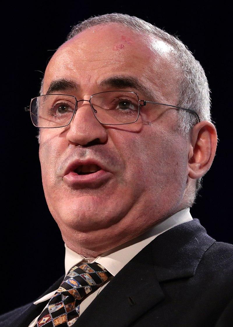 Garry Kasparov (37549229760) (cropped).jpg