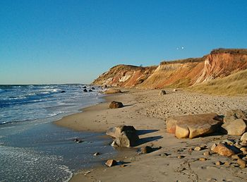 The Gay Head cliffs in Martha's Vineyard consi...