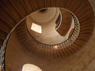 Sherlock Holmes (2009 film) - Geometric staircase at St. Paul's Cathedral was used for the opening sequence of the film.
