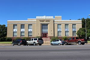 Gillespie County, Texas - Image: Gillespie County Courthouse Fredericksburg TX