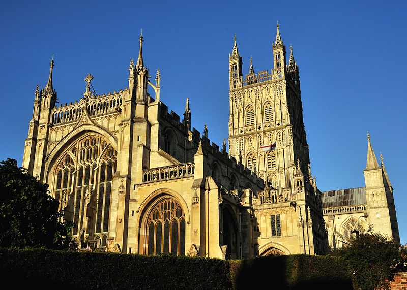 File:Gloucester Cathedral Setting Sun.jpg