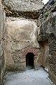Gondar, cittadella, zona del bagno turco, 03 spogiatoio.jpg