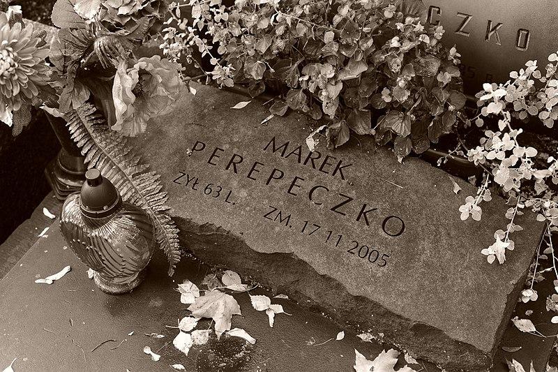 Plik:Grób Marka Perepeczko.jpg