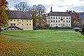 Grafenstein Schlossweg 1 Schloss mit Nebengebäude W-Ansicht 05112011 040.jpg