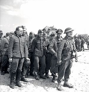 German forces surrendering to Canadian troops ...