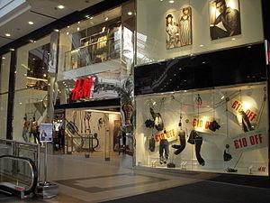 H&M - Image: H&m Pavilions