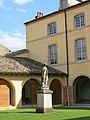 Hôtel-Dieu de Tournus (Sainte-Marthe statue).jpg