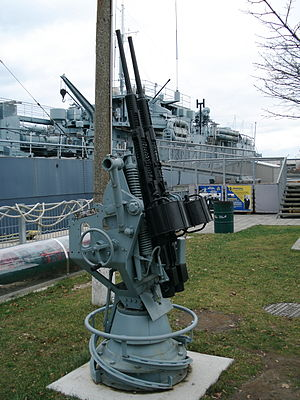Oerlikon 20 mm cannon - Side view of the twin Oerlikon gun mount