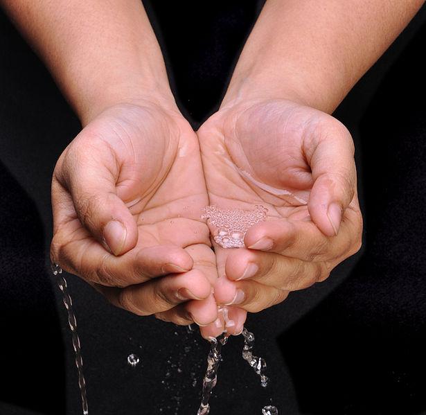 File:Handful of Water - Kolkata 2011-03-16 1999 Cropped.jpg