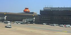 Hanover-Langenhagen International Airport passenger terminal outside.jpg