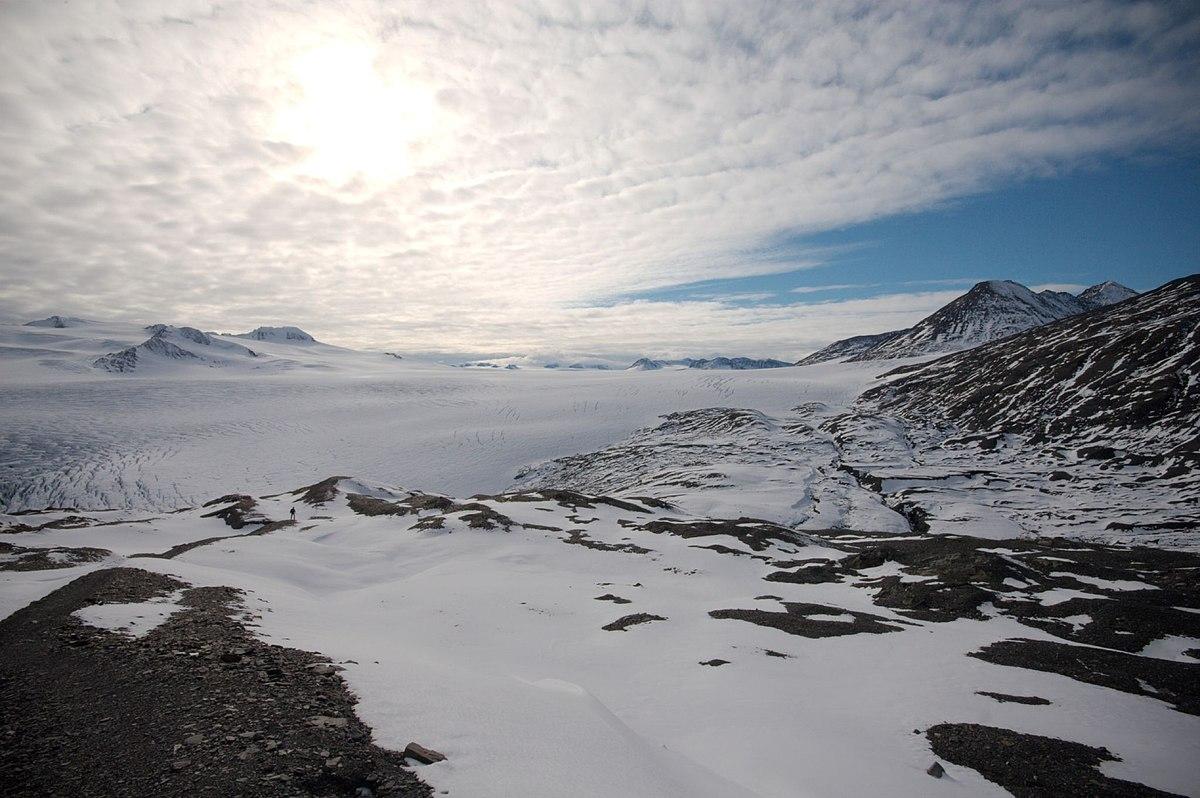 ~ Om Glaciären ~ 1200px-Harding_Icefield_4