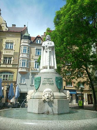 Bernhard von Spanheim - Bernhard von Spanheim fountain, Klagenfurt