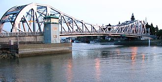 High Street Bridge - The bridge in 2003