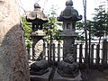 Hokkaido Jingu Tongu - stone lanterns.JPG