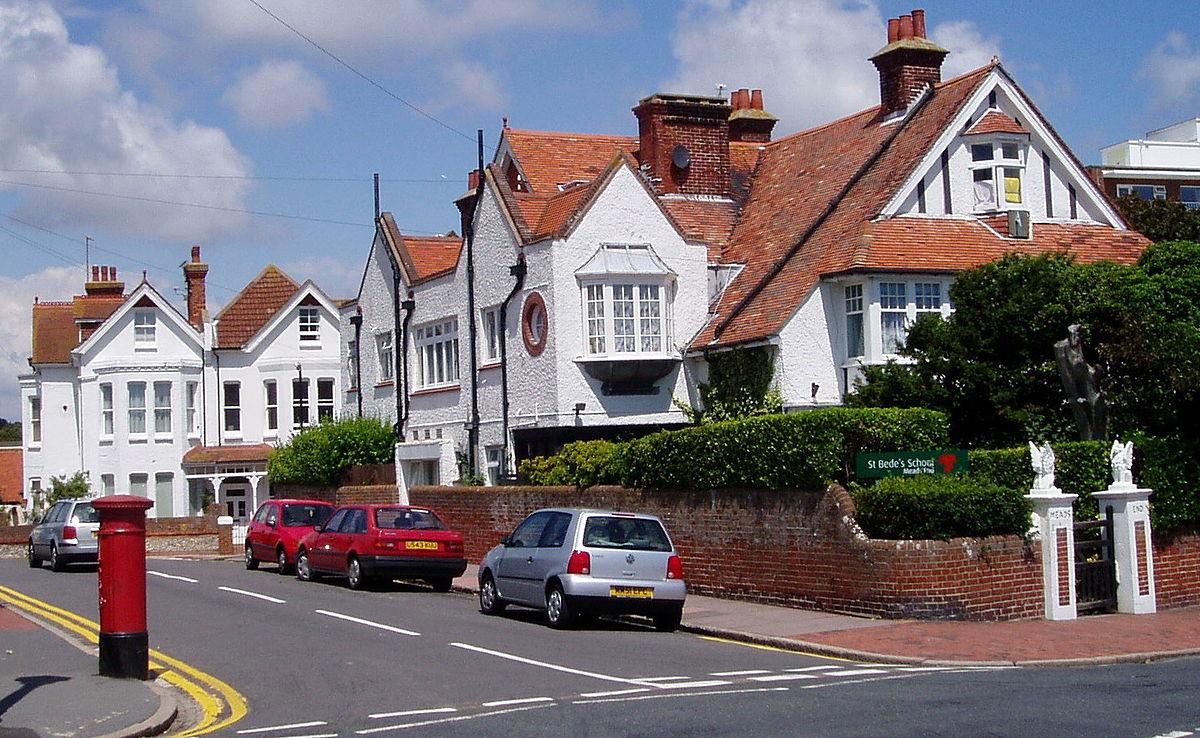 Holywell, Eastbourne - Wikipedia