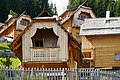 Holzbauweise im Almdorf Seinerzeit (Resort), Kärnten.jpg