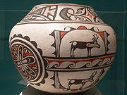 Hopi pottery, Arizona Canteen, Ceramic with pigments, 19th century, col: Stanford Museum