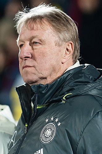 Horst Hrubesch - Hrubesch coaching Germany U21 in 2016