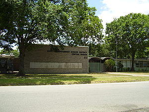 Houston Independent School District - The at-the-time Central Region Office, now the Arabic Language Magnet School