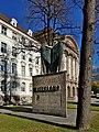 Innsbruck-Innrain52-Denkmal Vaterland.jpg