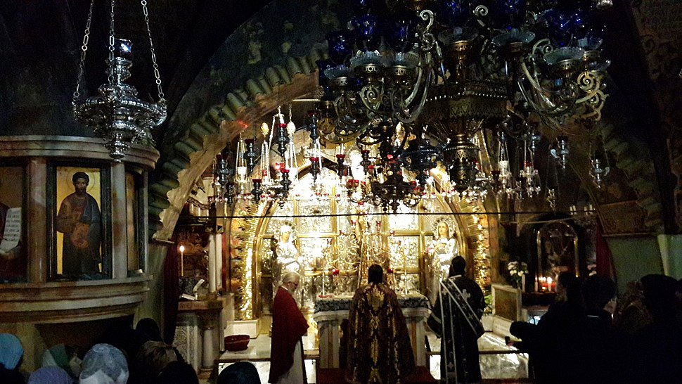 Inside the Church of the Holy Sepulchre - 08