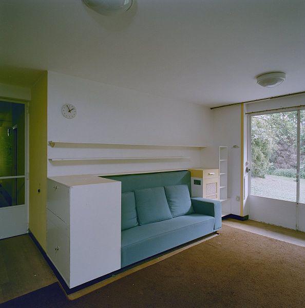 file int begane grond studio met vaste bank en ingebouwde kastjes rotterdam 20319101 rce