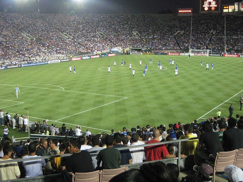 File:Inter vs Chelsea at the Rose Bowl.jpg