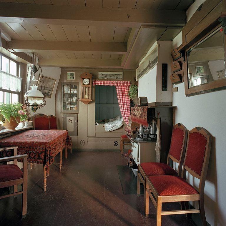 File interieur bezoekersmolen overzicht woonkamer kinderdijk 20370759 - Interieur woonkamer ...