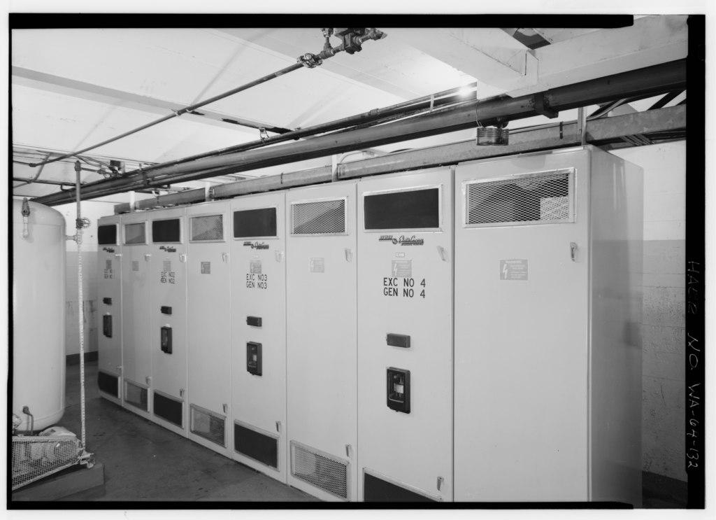 File interior of room b 2 below floor of generator room for Interior room design generator