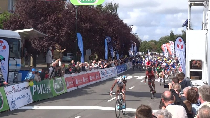 File:Isbergues - Grand Prix d'Isbergues, 21 septembre 2014 (D014A).ogv
