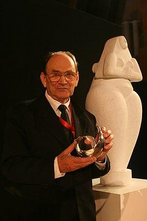 Jaan Einasto - Jaan Einasto with his Marcel Grossmann Award, 2009
