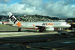 Jetstar Airbus A320-232 VH-VQB JST287 WLG-CHC (10013326573).jpg