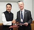 Jitin Prasada and the Minister of Universities and Science, UK, Mr. David Willetts, exchanging the signed documents of the Indo-UK MoU on HRD, in New Delhi on February 20, 2013.jpg