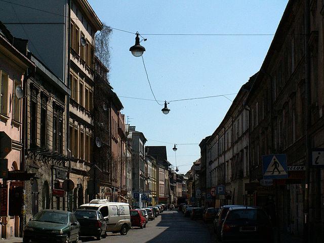 http://upload.wikimedia.org/wikipedia/commons/thumb/1/1e/Joseph_street_%2CKrak%C3%B3w_Kazimierz.JPG/640px-Joseph_street_%2CKrak%C3%B3w_Kazimierz.JPG