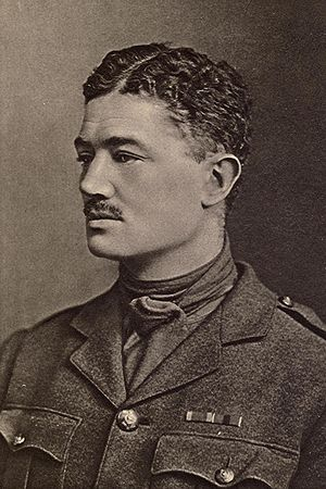 Julian Grenfell - Julian Grenfell in military uniform including his DSO ribbon