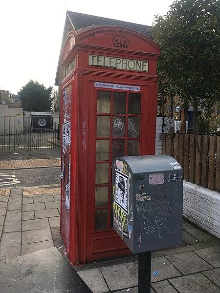 K2 Telephone Kiosk Outside White Horse