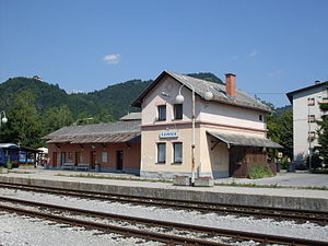 Kamnik-main train station-summer2010.jpg