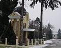 Kapelica i crkva.jpg