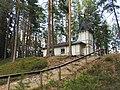 Kappeli Mäntysaaren laella.jpg