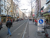 Karlsruhe fussgängerzone.JPG