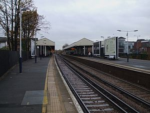 Kingston (London) railway station - Image: Kingston station through look east