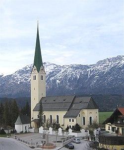 Kirchbichl Pfarrkirche-1.jpg