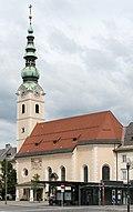 Klagenfurt_Innere_Stadt_Heiligengeistplatz_Heiligengeistkirche_SO-Ansicht_15072016_3897.jpg