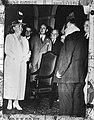 Koningin Wilhelmina brengt een bezoek aan New York en wordt verwelkomd door burg, Bestanddeelnr 934-7816.jpg